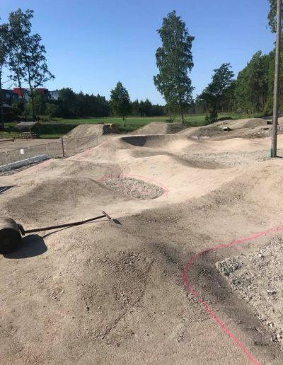 håndlegging av asfalt i skatepark