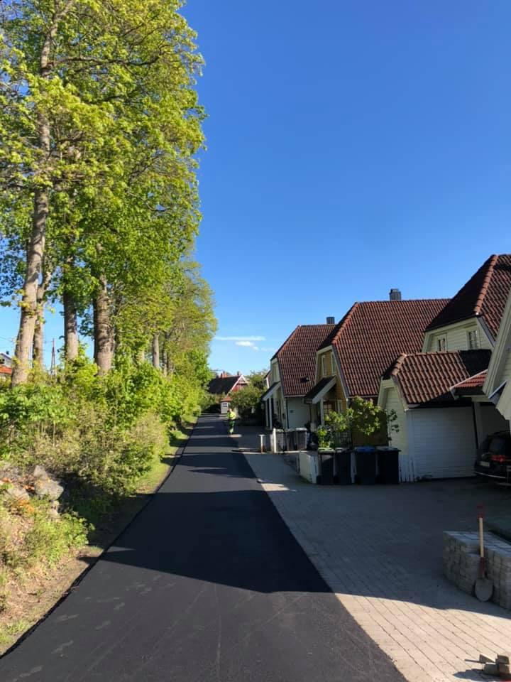 Asfaltering av vei fram til boliger i boligområde