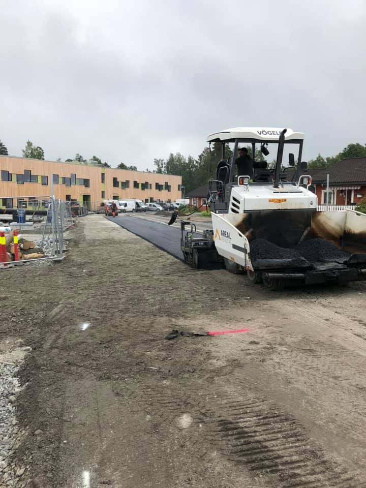 asfaltarbeid ved ny vei