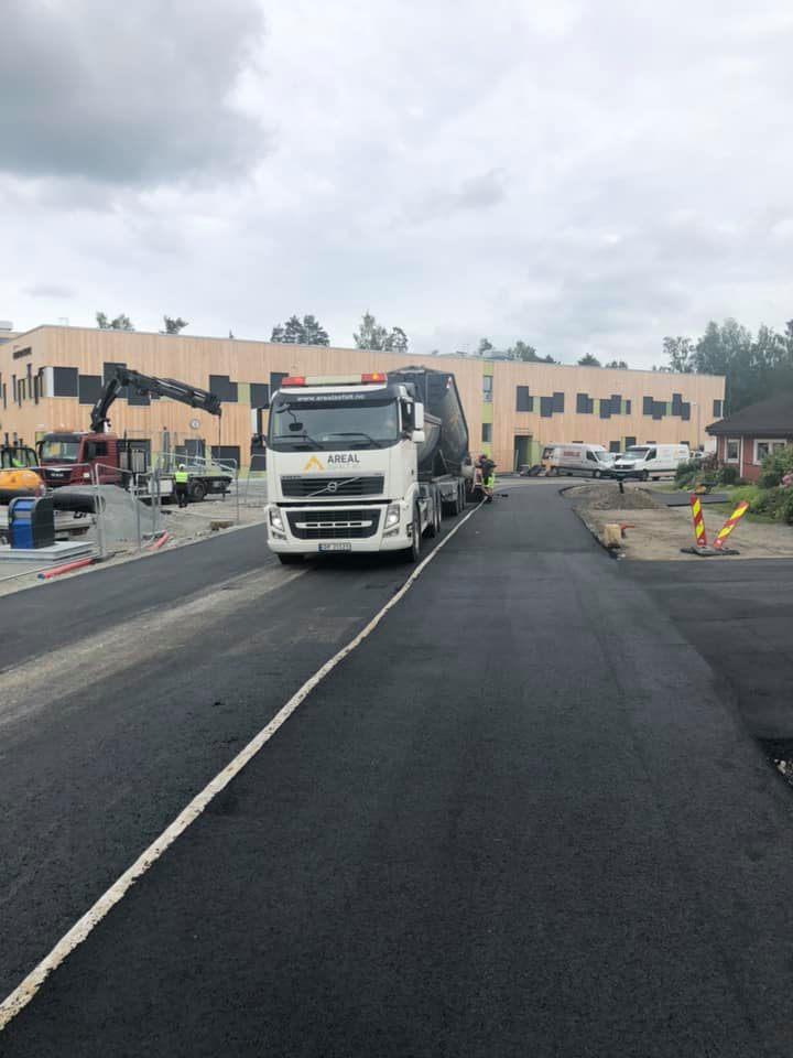 asfaltering av vei gang- og sykkelsti